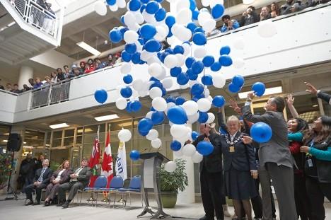 Easy To Use Balloon Drop Nets In Toronto Sbb World Class Balloonart
